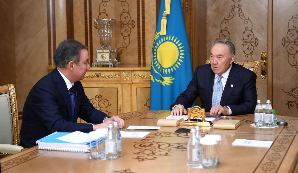 Нурсултан Назарбаев встретился с председателем мажилиса парламента Нурланом Нигматулиным