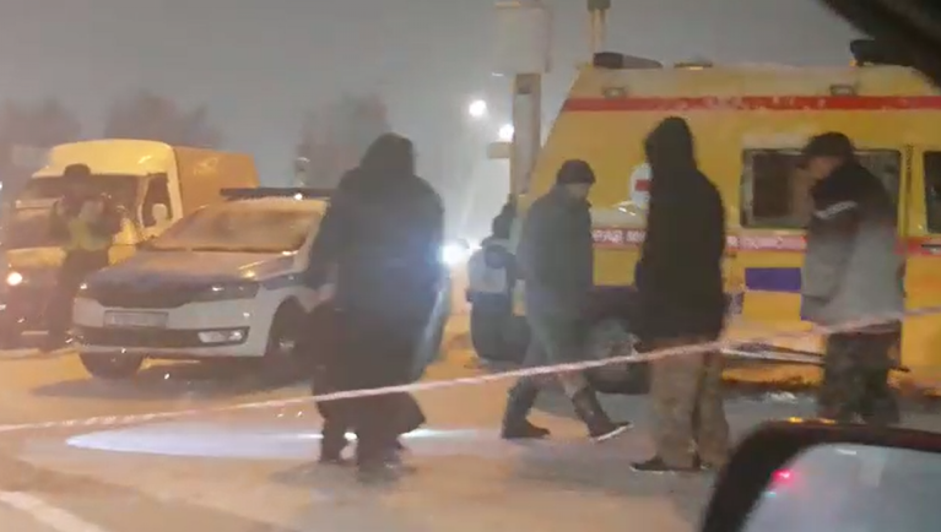 Два человека погибли, трое пострадали при столкновении пяти машин на гололедице на трассе Алматы – Хоргос