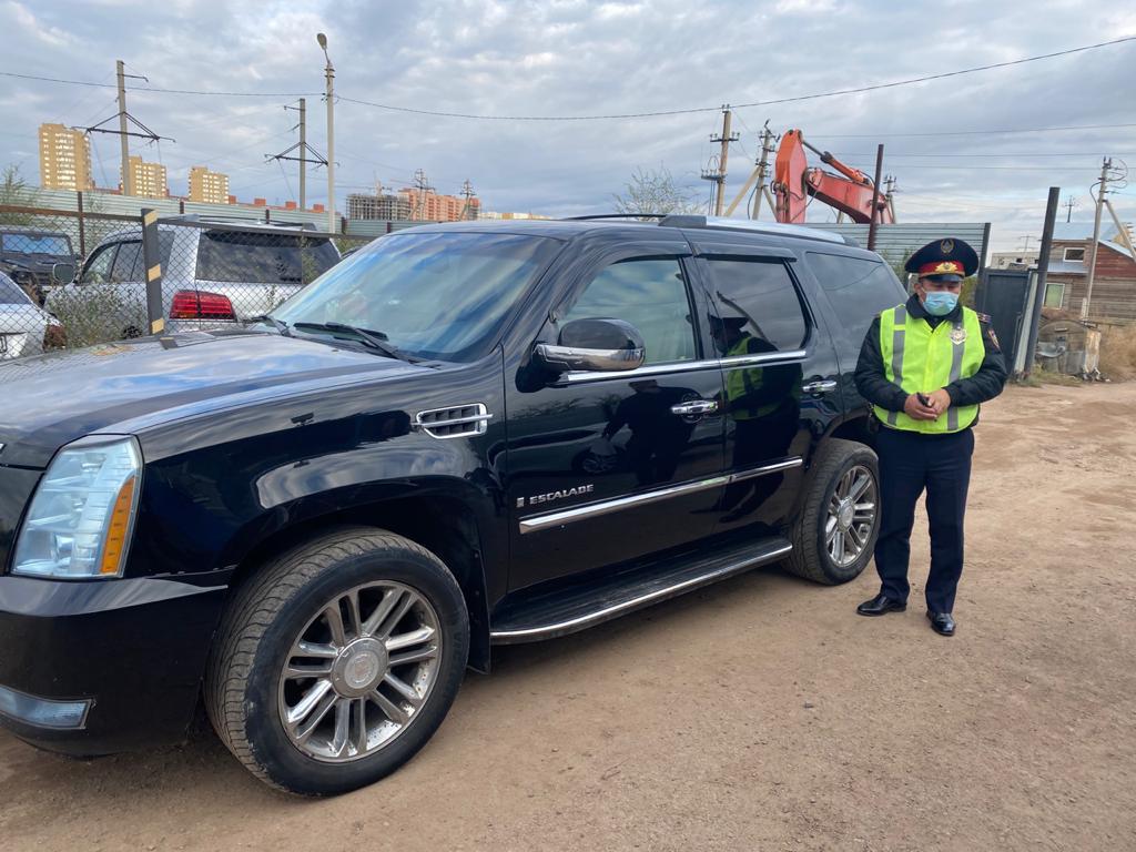 Судебные исполнители столицы изъяли у должника Cadillac Escalade