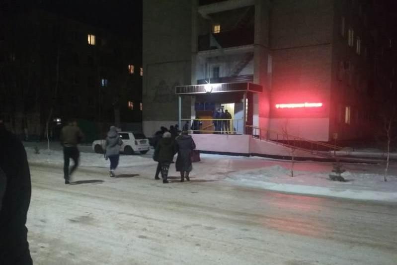 В Кокшетау из-за закрытия дорог 69 пассажиров автобуса разместили в пункте обогрева