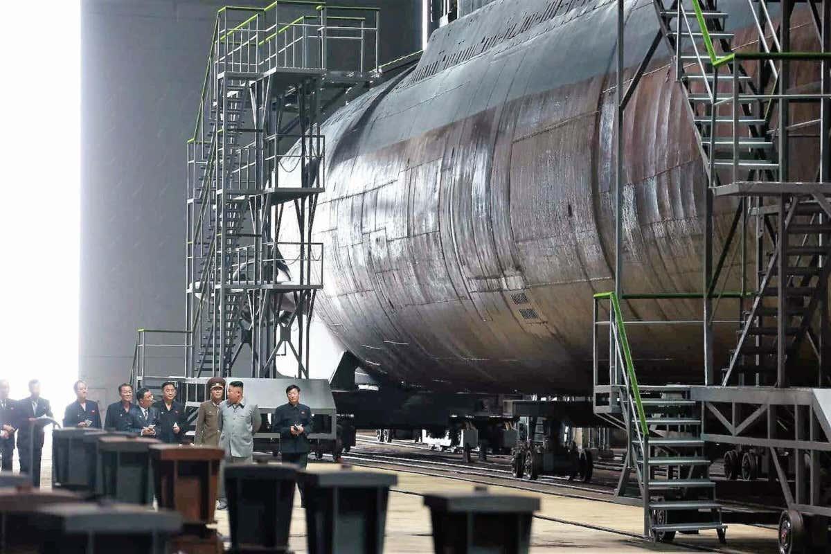 КНДР завершила строительство новой подводной лодки в 3 тыс. тонн