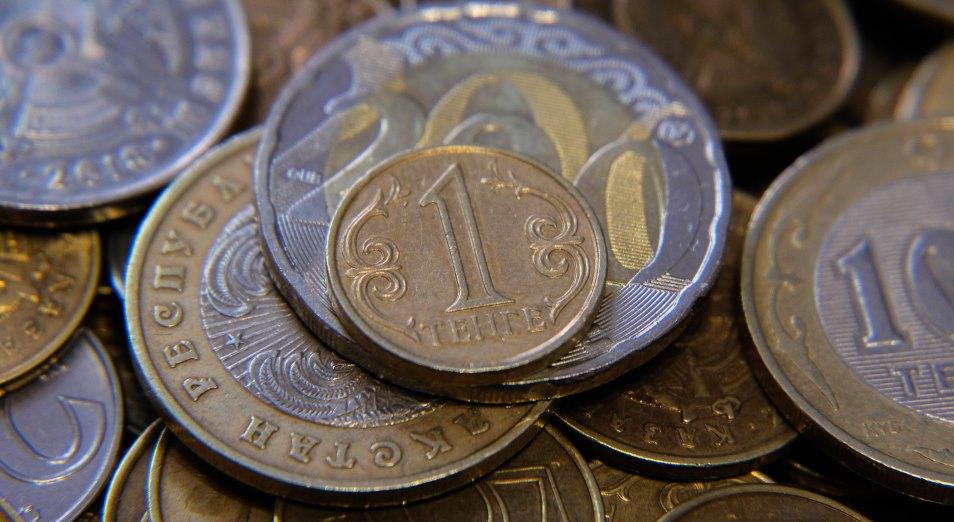 Почему за три недели национальная валюта ослабла почти на 15 тенге