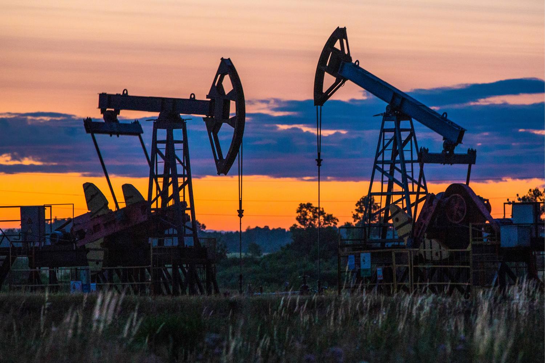 Нефть дорожает и может завершить ростом вторую неделю подряд