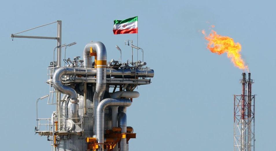 Снятие санкций с Тегерана выведет иранскую нефть на рынки лишь через год