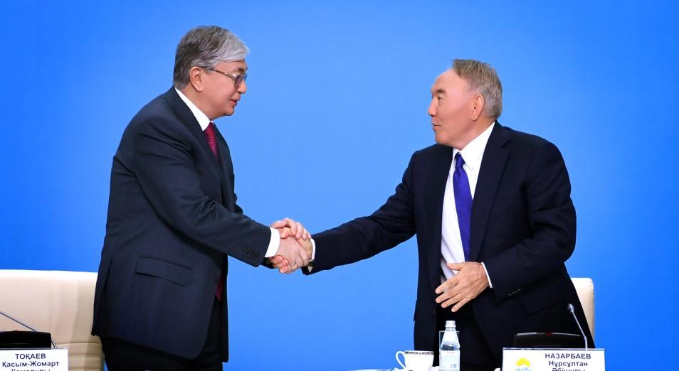 Назарбаев передал Токаеву полномочия председателя Ассамблеи народа Казахстана