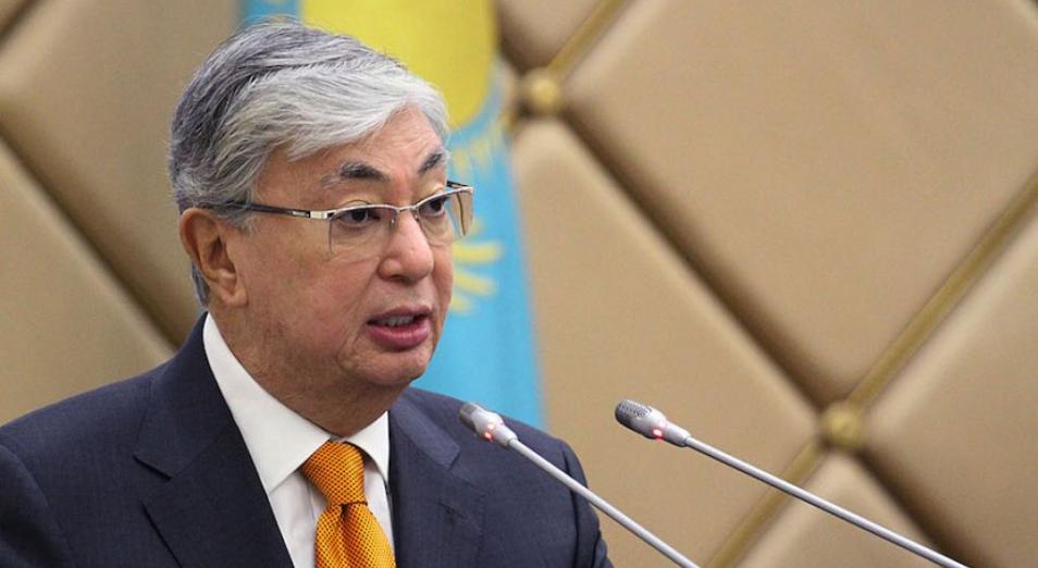 """Токаев обещает принять """"кадровое решение"""" в отношении правительства в случае провала вакцинации"""