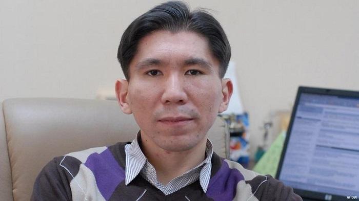 Досым Сатпаев: «Радикалы могут переметнуться на мирных жителей»