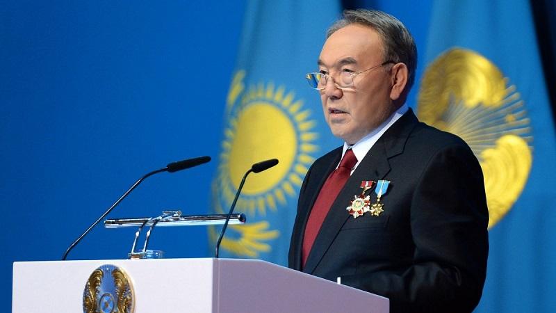 Назарбаев в очередной раз советует казахстанской молодежи отказаться от черных платков