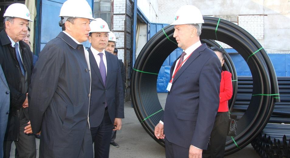 Тимуру Кулибаеву в Уральске показали предприятия, работающие на экспорт