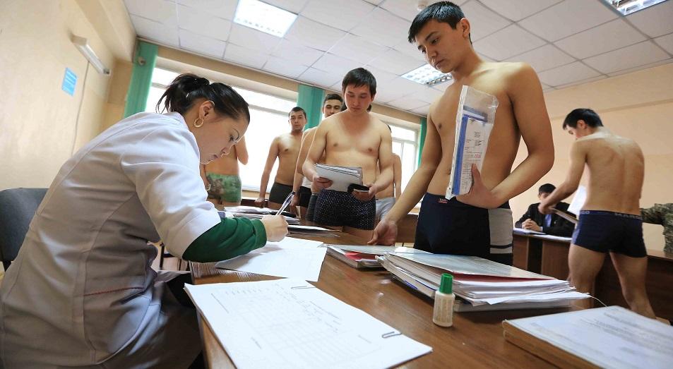 В правительстве озаботились причинами появления молодых «очкариков»