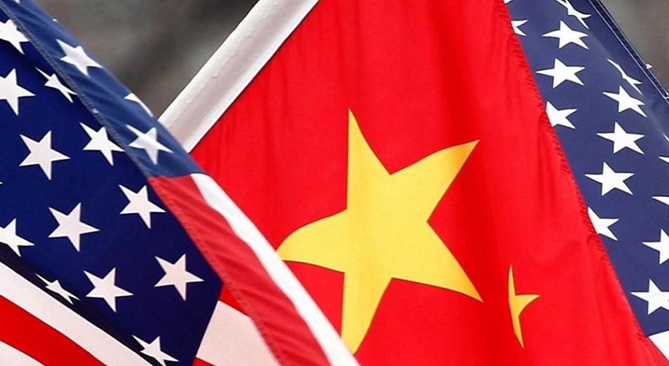 Китай видит решение противоречий с США в переговорах на равных