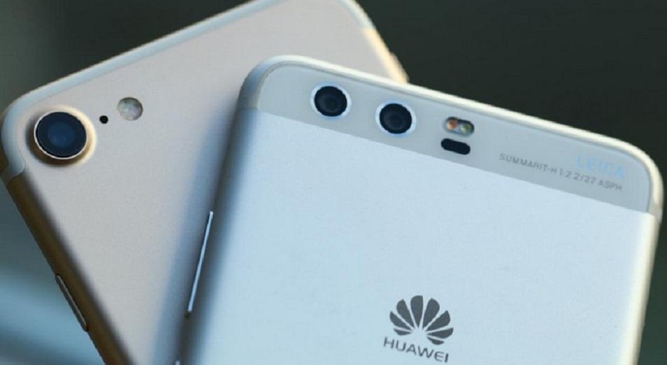 Huawei в рекламе пообещал съесть Apple