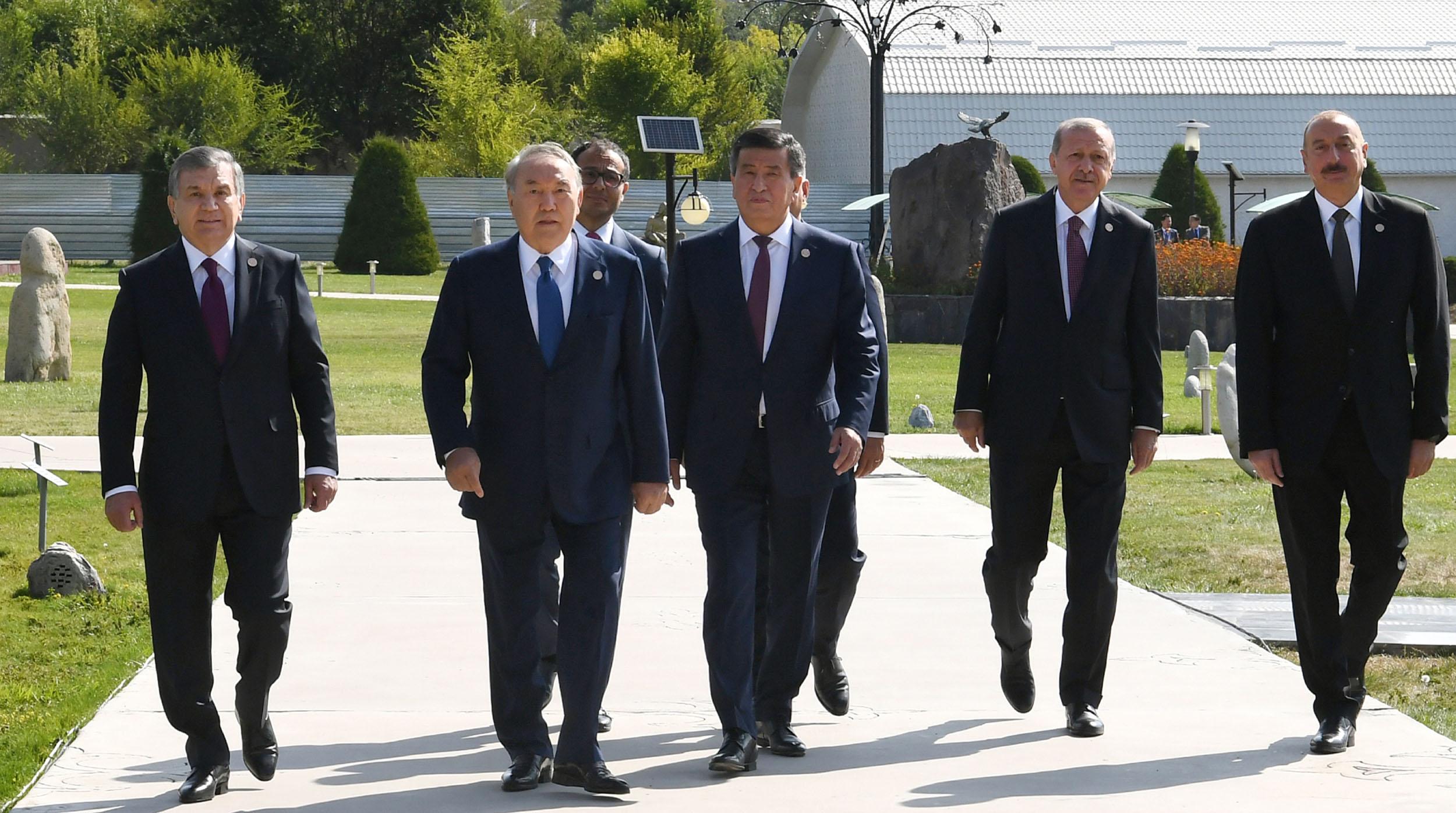 Назарбаев выступает за всесторонние меры в борьбе с терроризмом, неконтролируемой миграцией, наркоторговлей