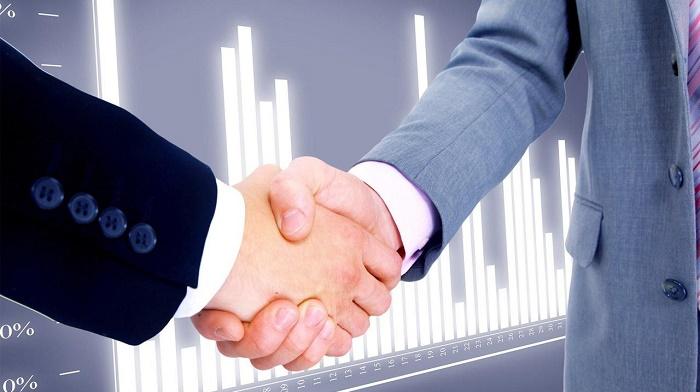 dengi-potekut-rekoj-schitayut-v-kaznex-invest