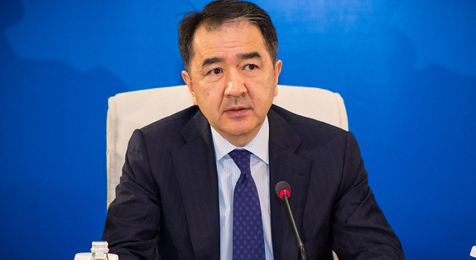 Бакытжан Сагинтаев призвал задерживать иностранцев в Казахстане подольше