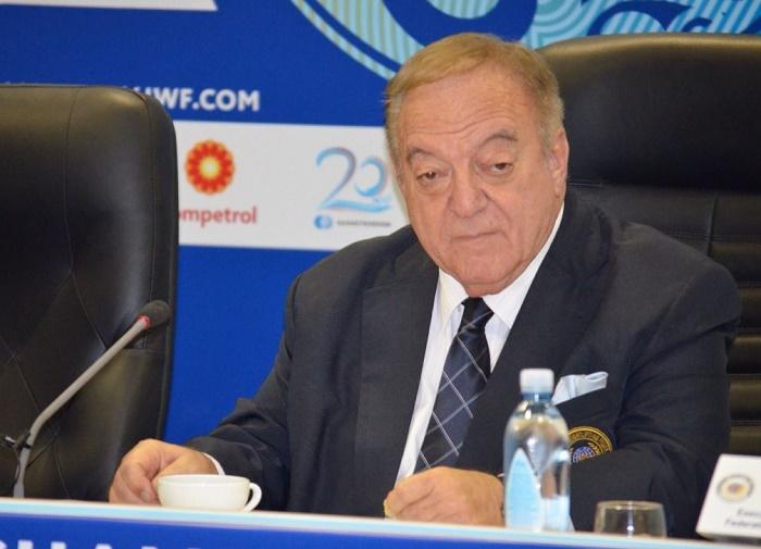 pravilo-treh-prob-dogonit-kazahstan-osenyu