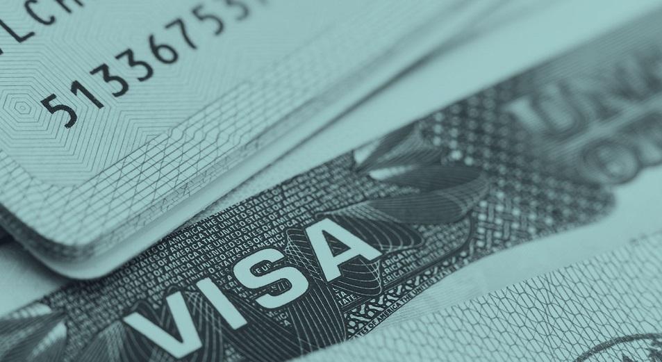 Каждый третий казахстанец получил отказ в визе в США