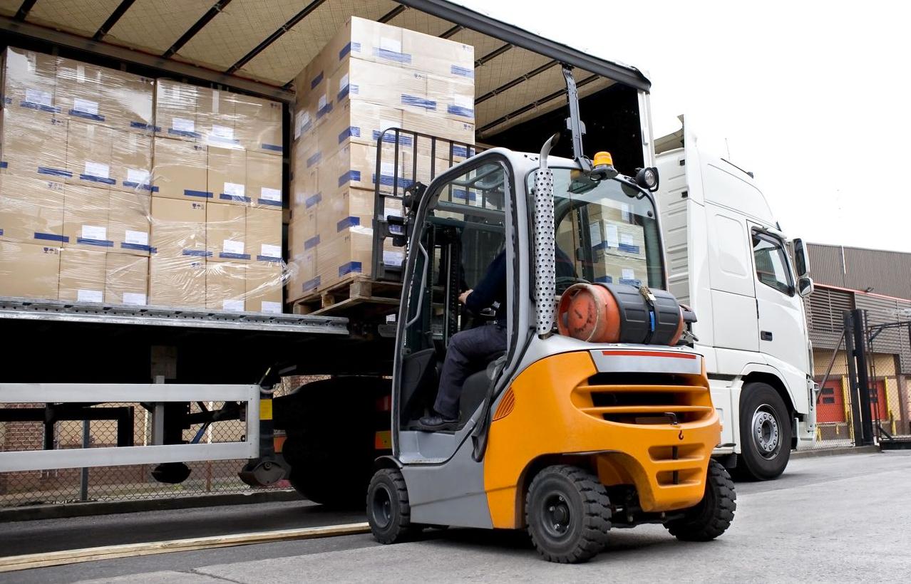 Чиновников Алматы и Алматинской области задержали за вымогание взяток с транспортных компаний