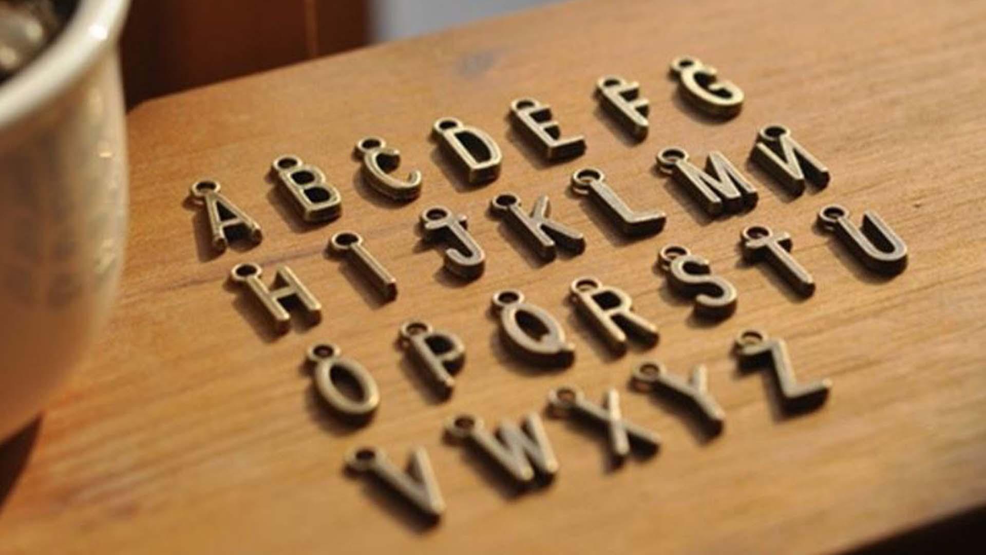 В пяти школах Астаны начнут эксперимент по обучению на латинице