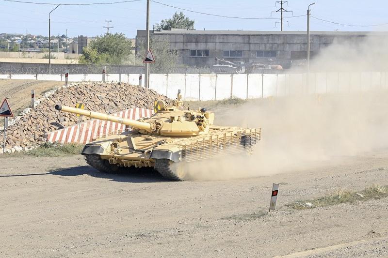 Министр обороны посетил воинские части ВКО