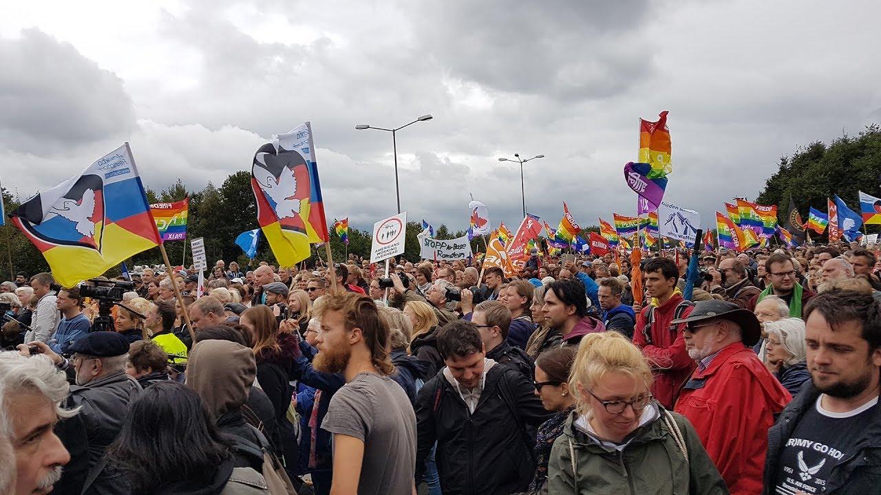 В Германии в результате столкновений демонстрантов задержаны около 300 человек