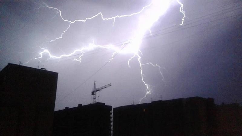 В Атырауской области объявили штормовое предупреждение