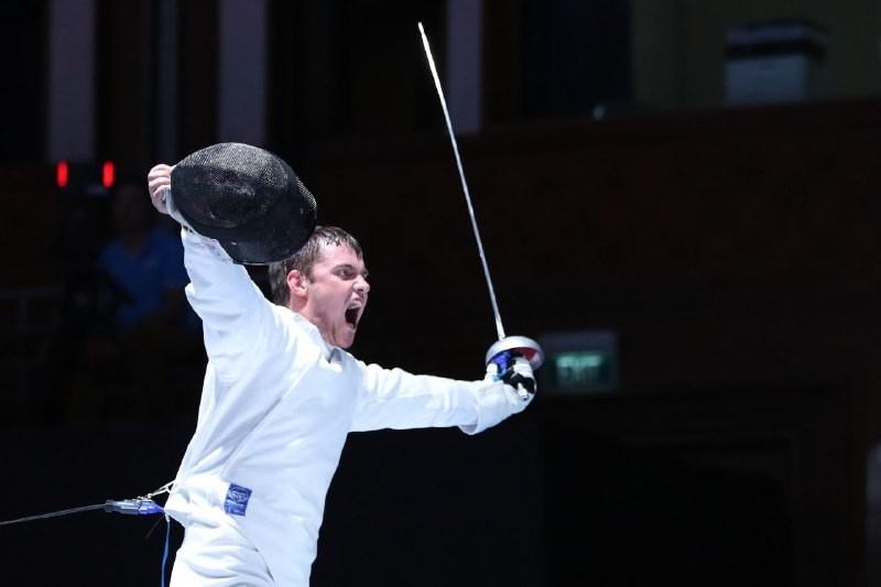 Казахстанский шпажист Дмитрий Алексанин завоевал первое «золото» на Азиаде-2018