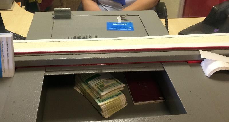 Курс продажи доллара в обменниках Астаны вырос до 363 тенге, в Алматы и Шымкенте – до 362 тенге