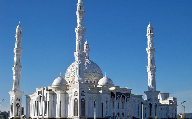 Поздравил мусульман с наступающим праздником Курбан-айт верховный муфтий Казахстана