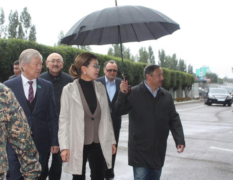 Дарига Назарбаева посетила воинскую часть Усть-Каменогорске