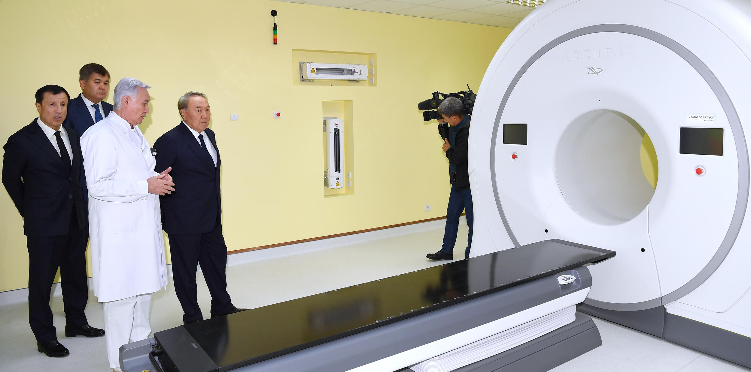 Назарбаев отметил важность современных подходов при диагностике и лечении онкозаболеваний