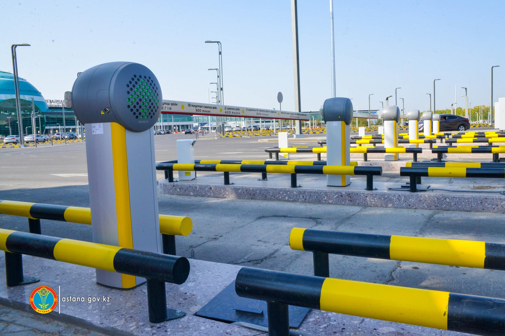 В Астане до конца года количество парковочных мест должно увеличиться