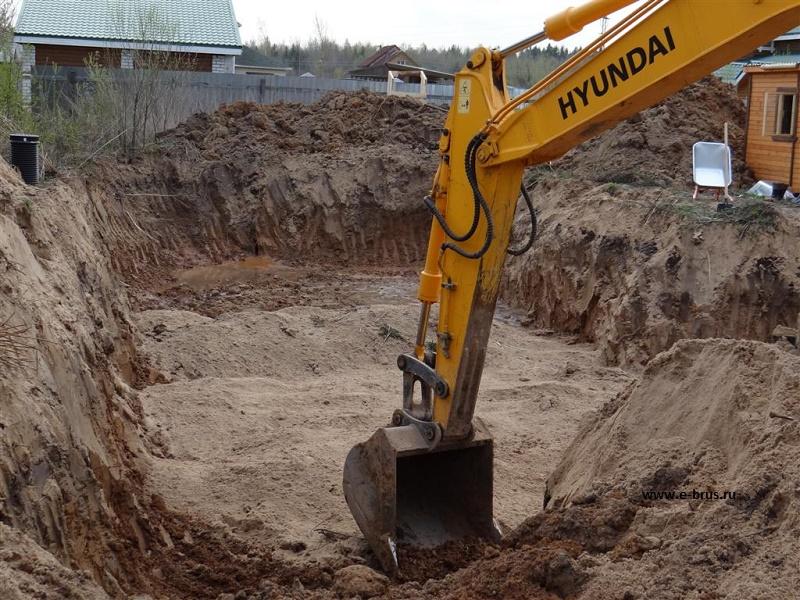 В Костанайской области рабочий погиб под завалами