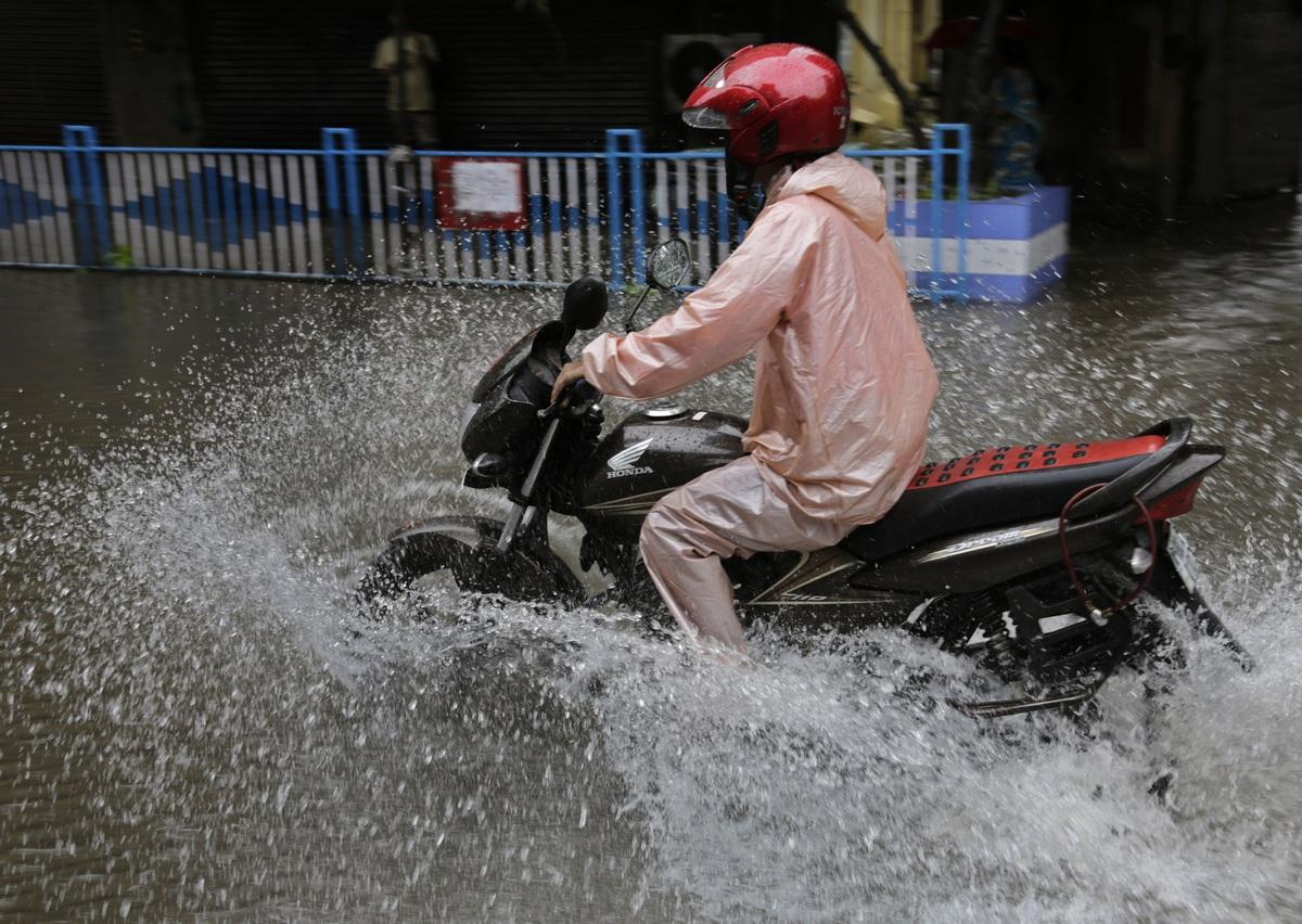 Число погибших из-за ливней и наводнения в Индии превысило 440 человек