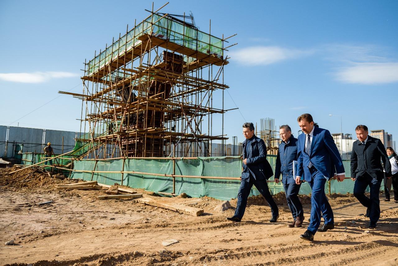 Бахыт Султанов проинспектировал строительство ряда крупнейших городских объектов