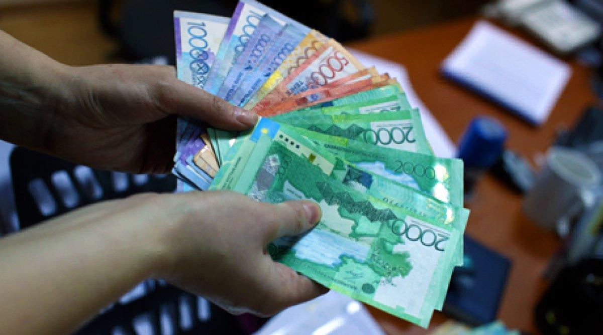 Среднемесячная номинальная зарплата в Казахстане в августе составила 159125 тенге