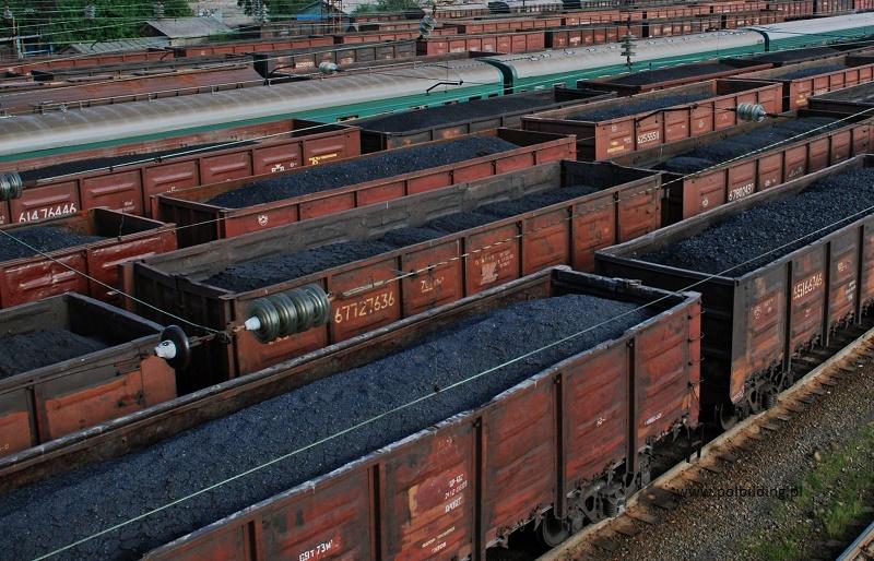 По железной дороге перевезли на 35% больше угля для населения, чем в прошлом году