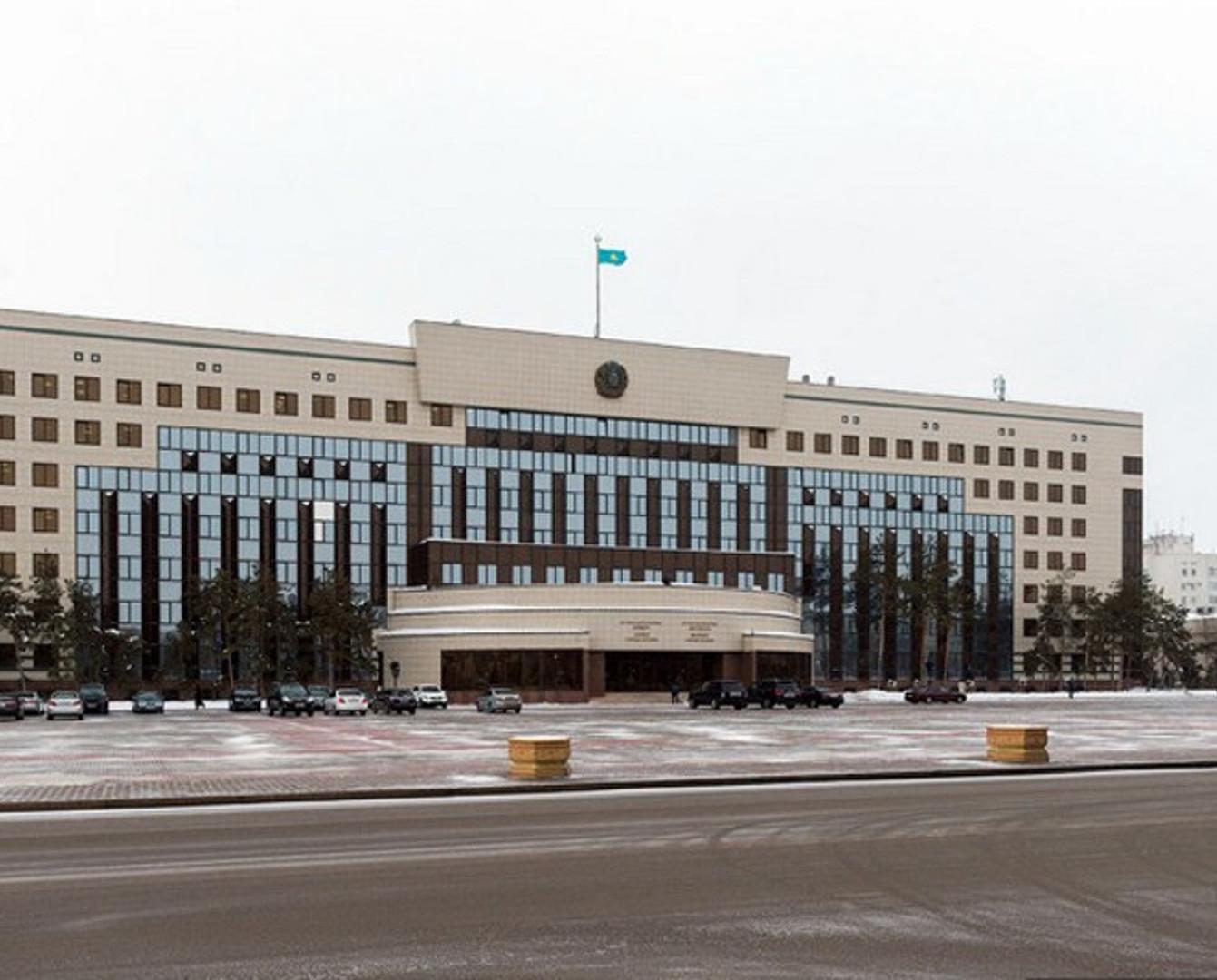 Асет Исекешев озвучил заработную плату сотрудников акимата