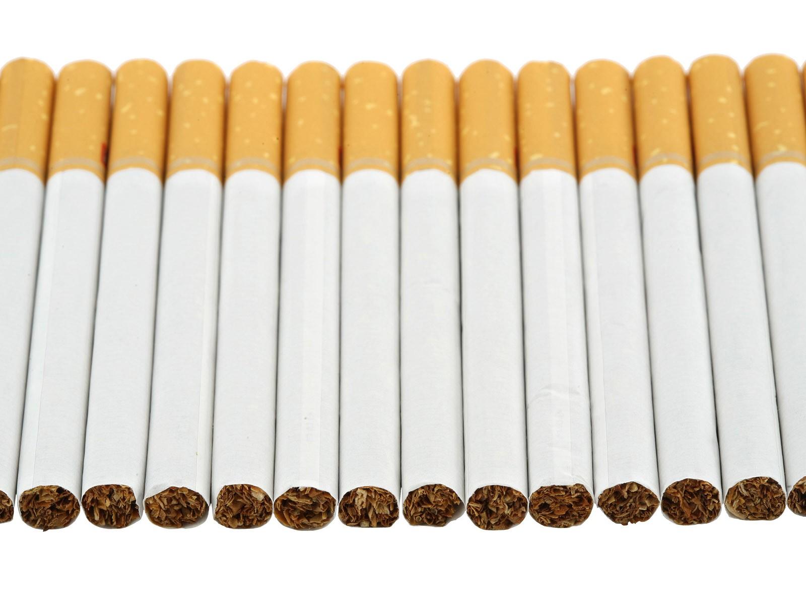 В Астрахани пограничники задержали партию сигарет из Казахстана под видом макарон