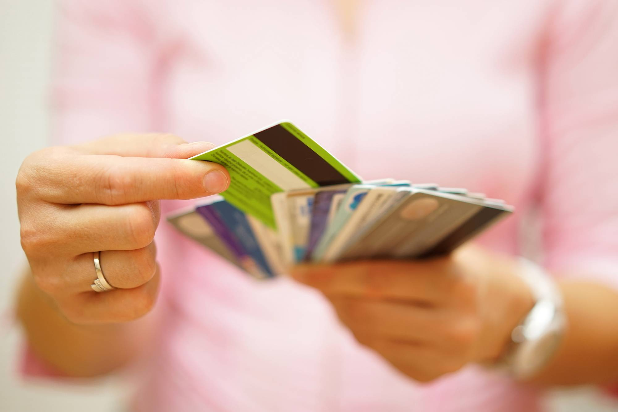 Более 5,5 триллионов тенге задолженность казахстанцев по кредитам
