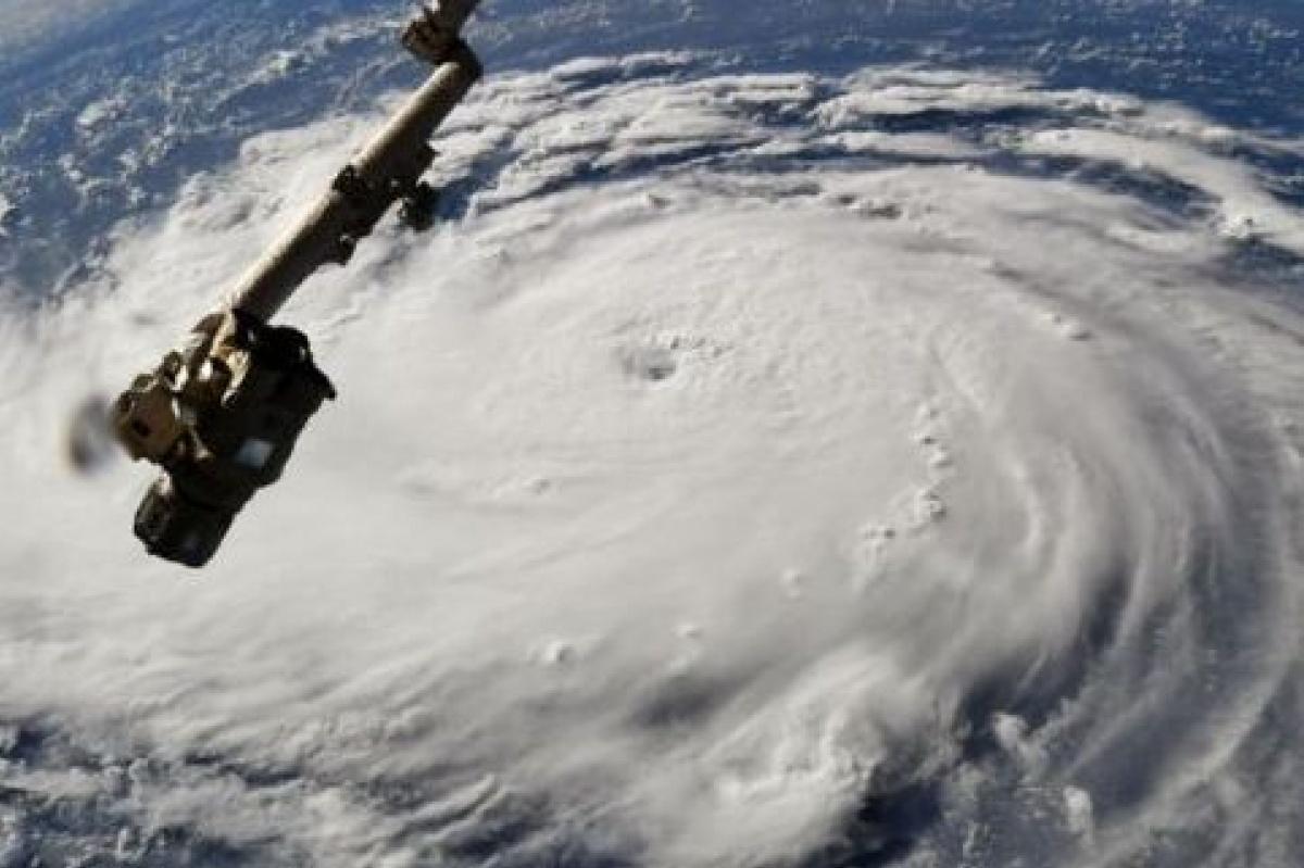На Филиппины и Китай движется ураган Мангхут