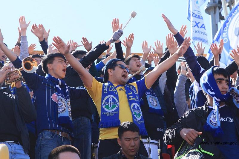 Матчи 22-го тура Премьер-Лиги посетили 30 000 зрителей