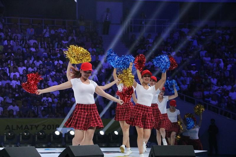 Чемпионат мира по футзалу среди студентов в Almaty Arena открыли красочным шоу