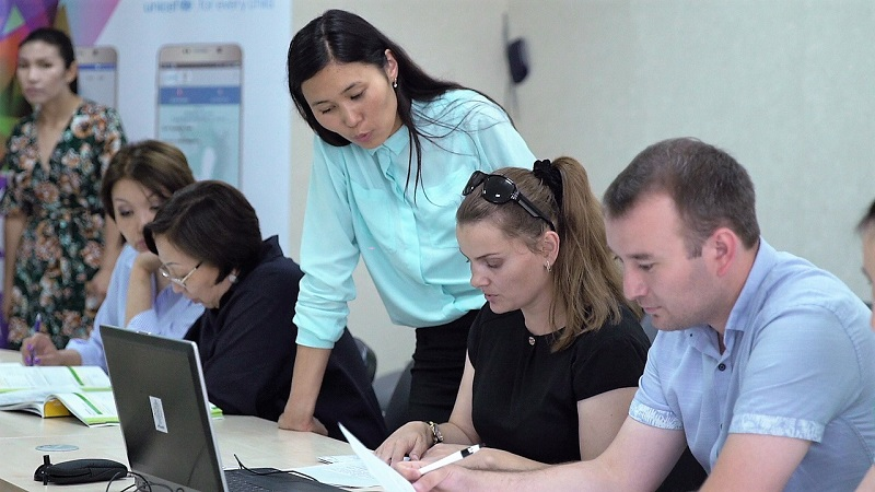 Бесплатные курсы по казахскому языку продолжатся до ноября