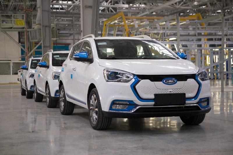 На московском автосалоне выставят первый казахстанский электрокар