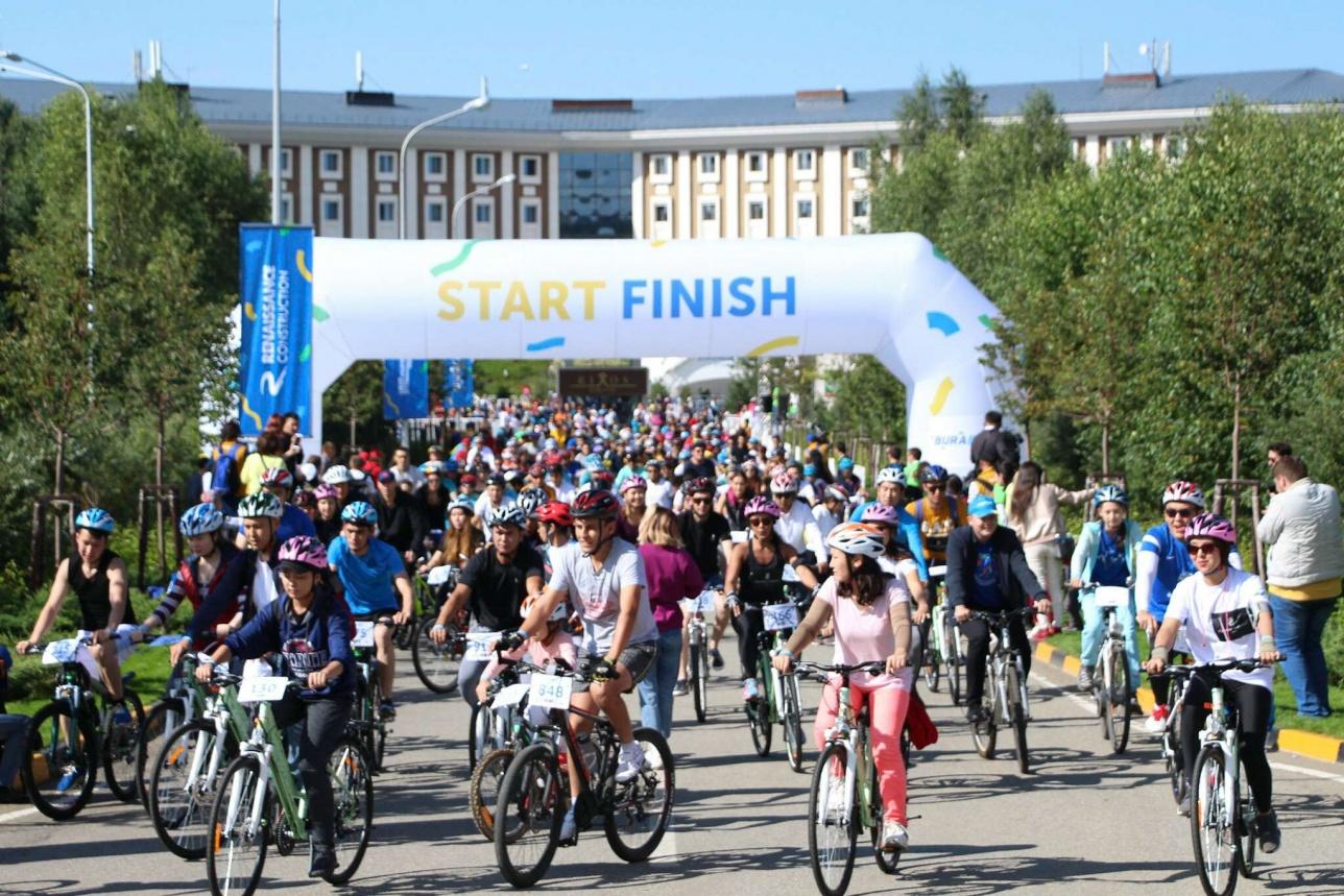 189 млн тенге выручил благотворительный аукцион на велопробеге Burabike-2018