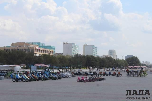 Машинки и велосипеды снова появились на набережную Актау после саммита