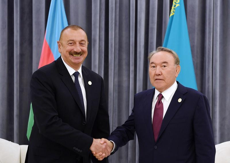 Президенты Казахстана и Азербайджана обсудили транзитные возможности двух стран