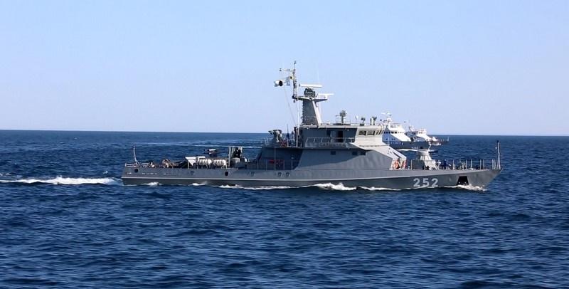 Военные корабли Казахстана провели учения в Каспийском море