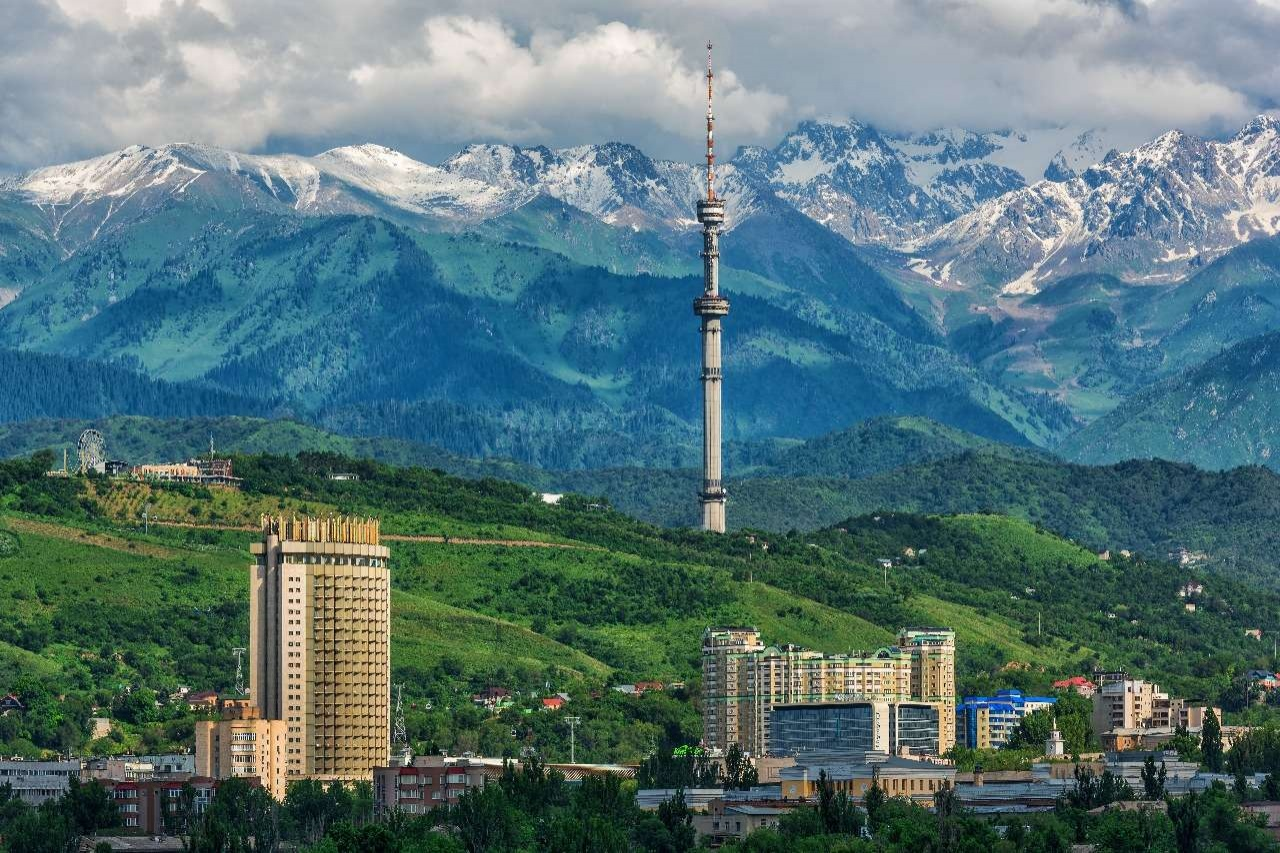 Бауржан Байбек поздравил алматинцев с Днем города